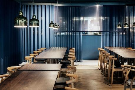 Sticks'n'Sushi Restaurant, Oxford, London, set indefra